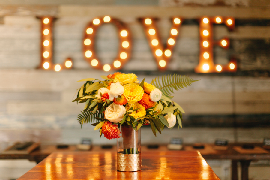 A Trend That's Here to Stay :: Wedding Signs