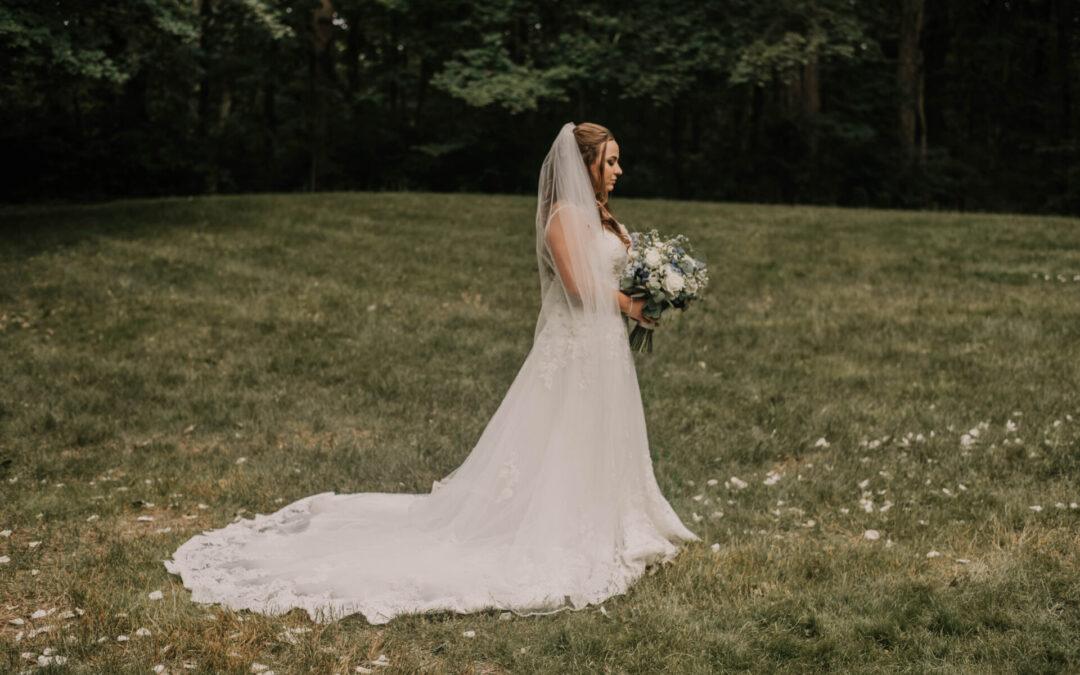 Sophia's Bride | Sam and Cody's relaxed Michigan Wedding