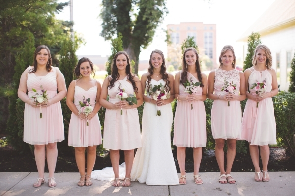 Keep the Wedding Vibe in mind