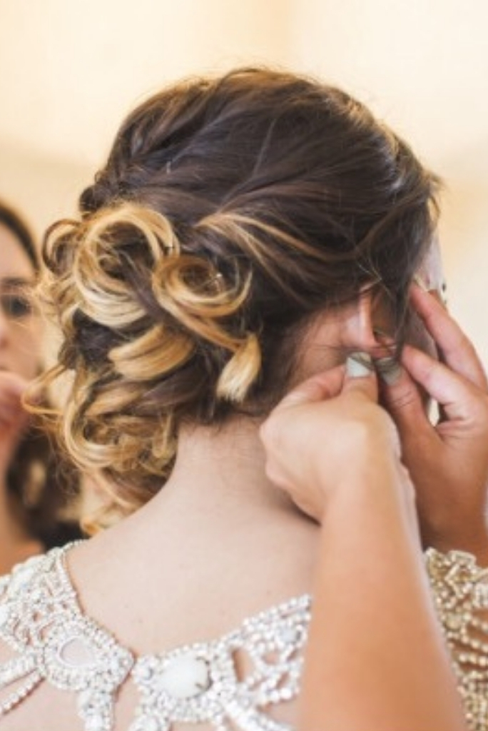 Swirly Updo for your Wedding Day