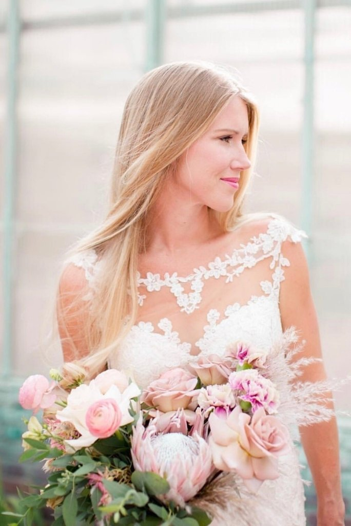 Sleek and Straight Hairstyle for you Wedding