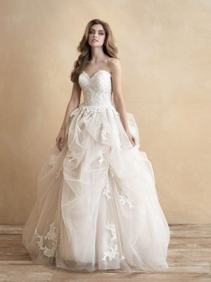 ball gown with modern pick ups lace and tulle on bride