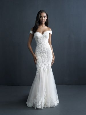 fitted lace dress with long train and off the shoulder sleeves wedding dress on bride