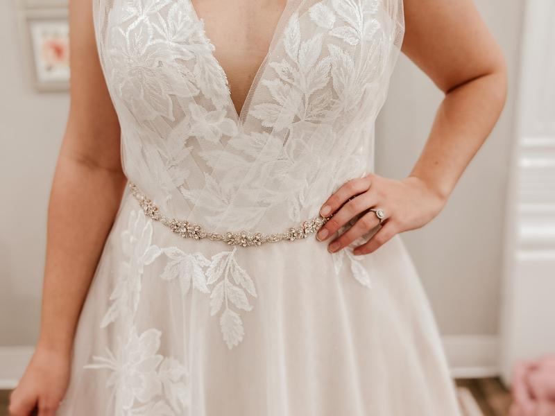 wedding dress accessorizing belt with rhinestones
