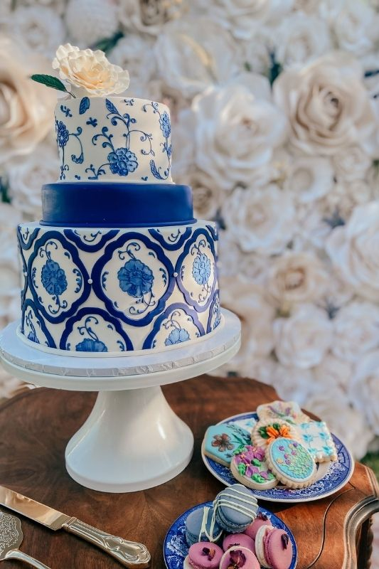 when wedding planning buy multiple cakes