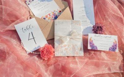 Our Favorite Wedding Planning Hacks & Apps